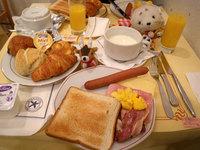 100204_0743_breakfast.jpg